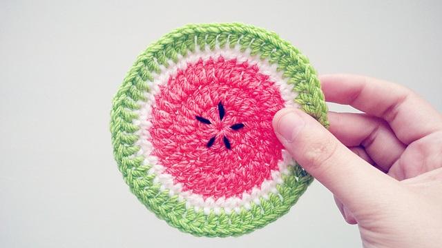 Crochet Summer Watermelon Coasters (Free Pattern) (1)